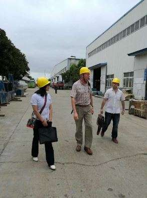 Gasoline tanker buyer from Chile comes to visit our factory
