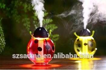 甲壳虫电池供电超声波车香气扩散加湿器与LED灯