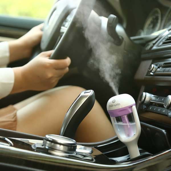 Fashion 12V Rotatable Air Purifier Ultrasonic Humidifier For Car Aroma Diffuser