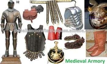 中世纪的铠甲罗马带罗马鞋尖顶头盔头盔胸甲罗马凉鞋