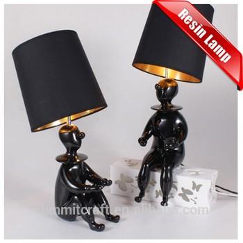 现代创意表装饰树脂小丑雕像灯