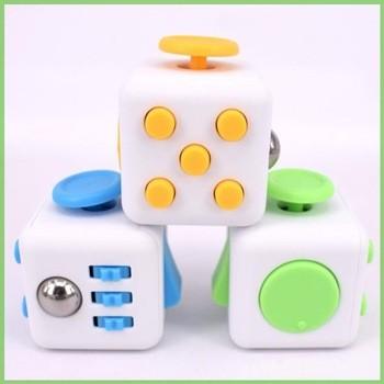 新流行的塑料坐立不安立方体的包装盒