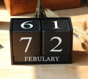 Fashion hot sales hand craft kids gifts wholesale desktop wooden stand decorative perpetual wooden calendar