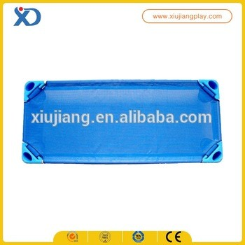 学校家具儿童塑料床供应商从温州