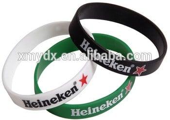 自定义徽标尺寸设计廉价的硅橡胶手镯硅胶手环