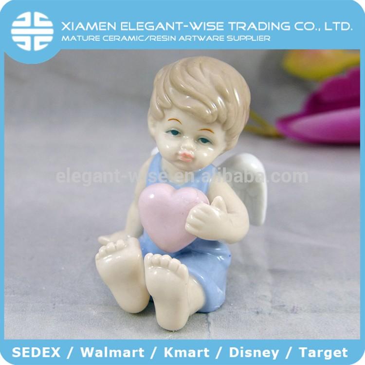 创意礼品手绘男孩天使雕像和玩具熊
