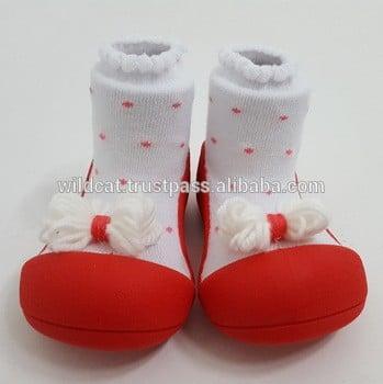 attipas带红色的婴儿袜鞋蹒跚学步的婴儿棉袜子TPR