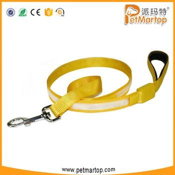 在中国安全的宠物狗的皮带tz-pet5202闪烁的LED彩色尼龙制成