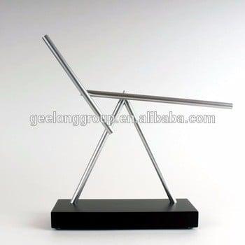 摇摆杆双摆动能永动机艺术玩具雕塑-黑色