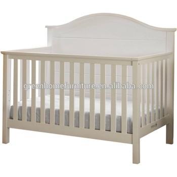 木制婴儿床