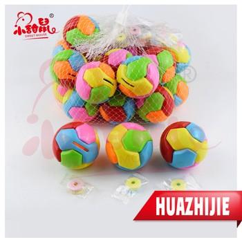 743201702热出售有趣的可拆卸足球玩具糖果与贝尔