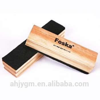 不同尺寸的木制白板擦