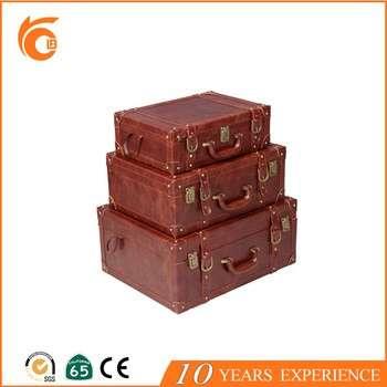 从中国皮革木制礼品行李散装产品
