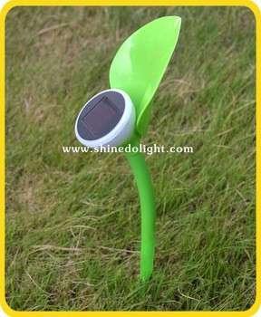 新型太阳能草坪灯