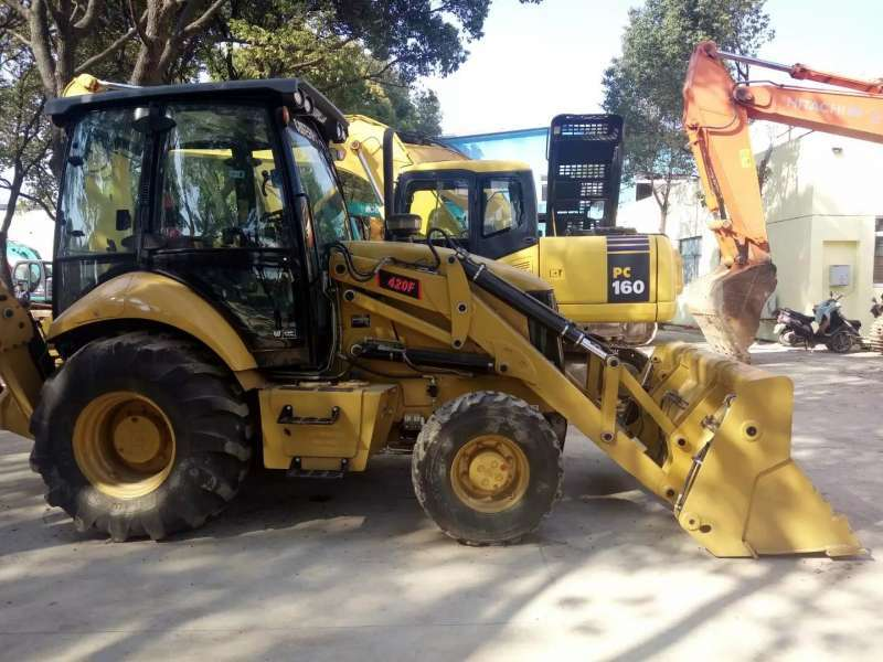Used CAT 420F Backhoe Loader with cheap price and good condition