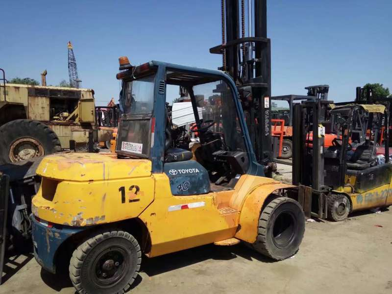 Used 4 Tons Toyota Diesel Forklift With Cheap Price And Excellent Condition