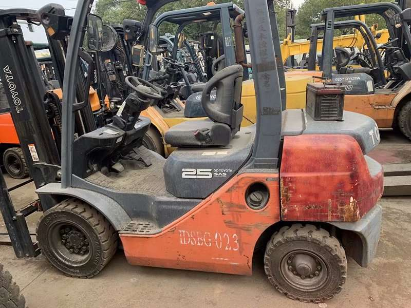 2010 Year 2.5 Ton Toyota Diesel Forklift In Good Condition