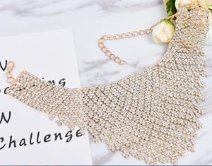 Qihang choker necklace