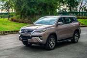 FAIRLY USED 2017 FORTUNER CAR