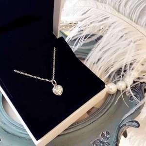 Genuien 925 sterling silver & Clear CZ Loving Heart Pendant