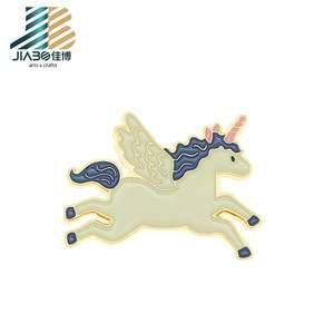 3D定制金属飞行员翅膀个性化动物独角兽别针徽章