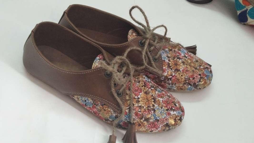 45edf936df1b5 Ladies Stylish Printed Shoe Wholesaler Gladiator Printed Tassels ...