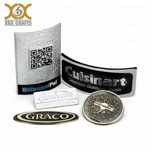 定制金属服装标签,皮革金属服装标签,金属标签制造商