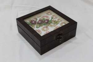 Brown Gift Box With White Paper Quilling