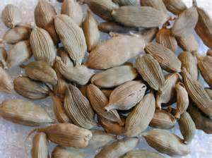 100% Whole Cardamom Seeds  for Sale