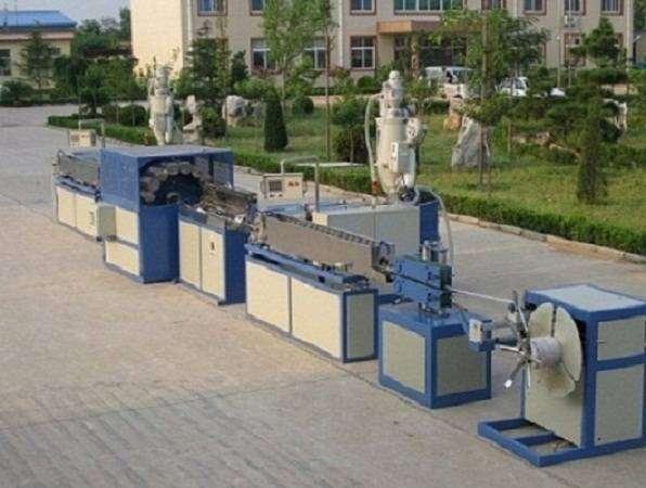 PVC纤维增强软管挤出生产线
