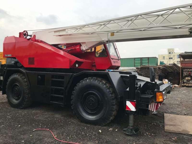Second Hand TADANO TR-300ES Cranes , Used Truck 30 tons Cranes